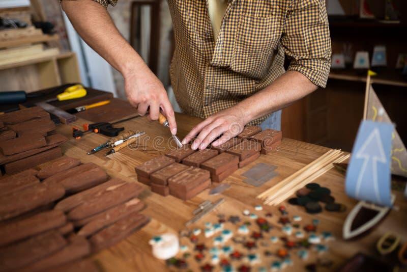 在木木匠的工作的特写镜头视图 库存照片