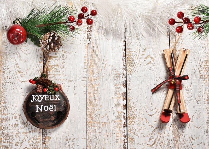 在木板的减速火箭的样式圣诞节背景 库存照片
