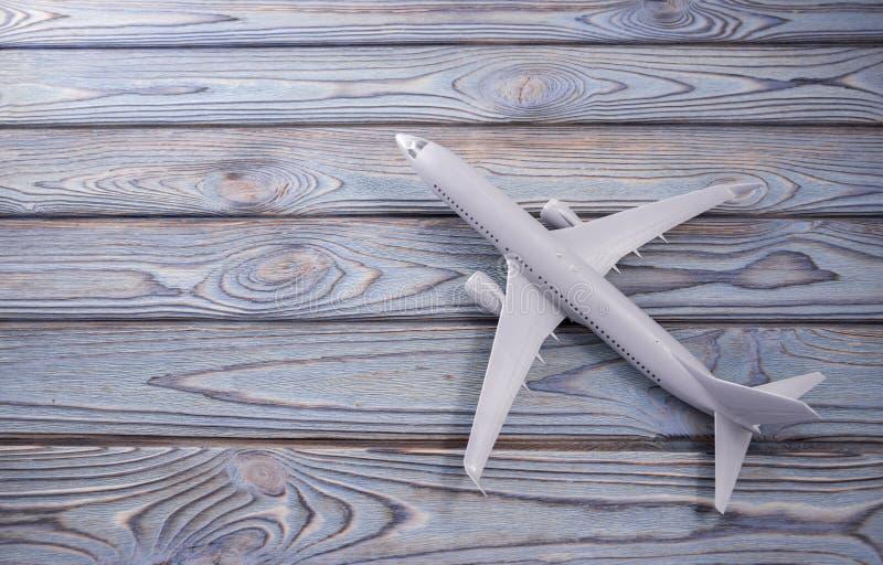 在木板的飞机 旅行,空气事务 免版税库存图片