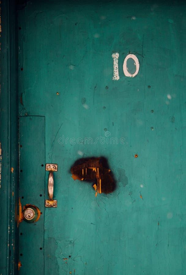 在木汽车旅馆门的第10 免版税库存照片