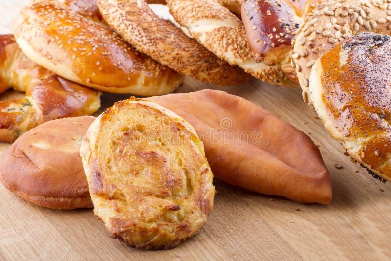 在木的土耳其酥皮点心食物 免版税库存照片