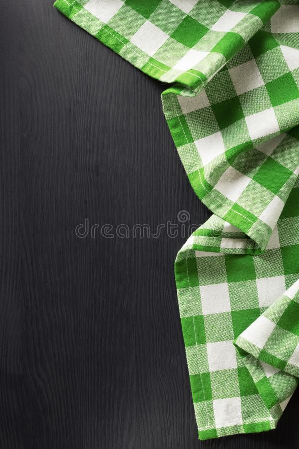 在木的布料餐巾 免版税库存照片