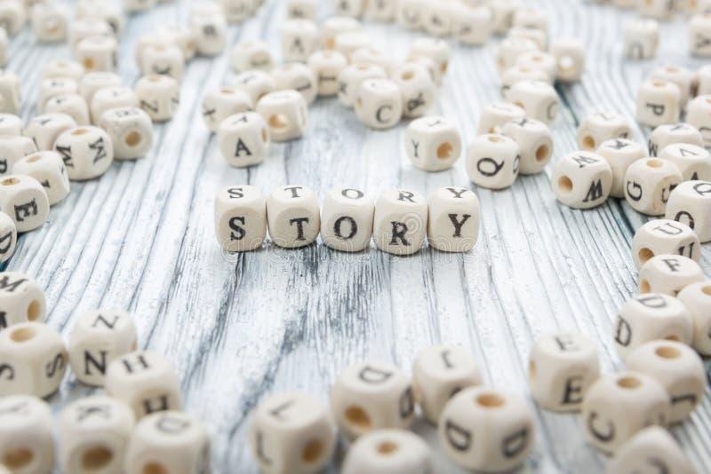 在木刻写的故事词 木ABC 库存照片