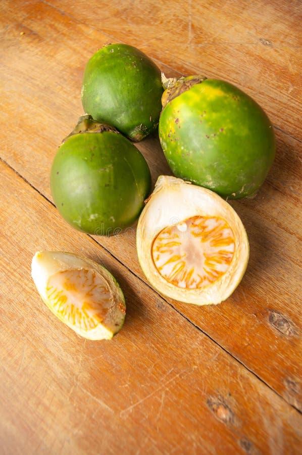 在木头的槟榔 免版税库存照片