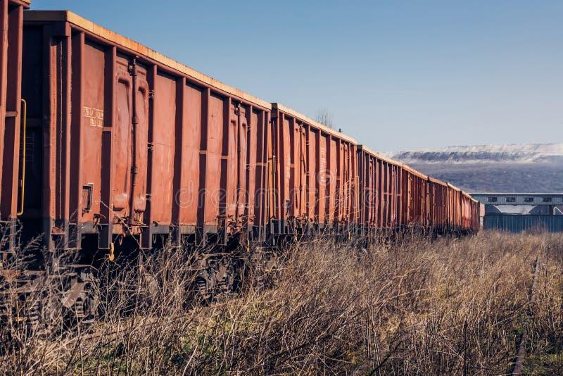 在未使用的铁路的货物火车 库存照片