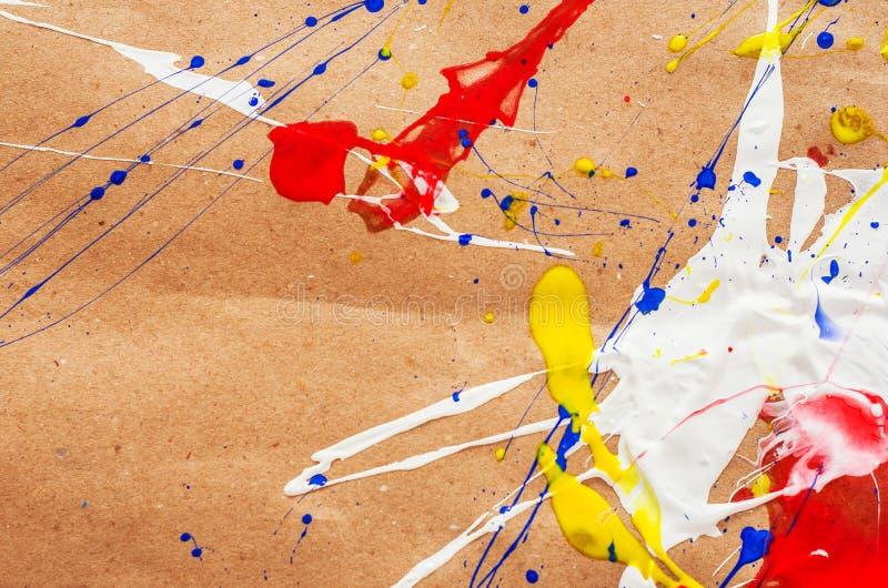 在本文的白色和蓝色和黄色和红色伤疤 库存图片