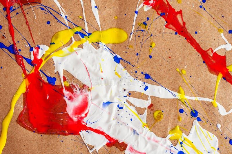 在本文的白色和蓝色和黄色和红色伤疤 免版税图库摄影