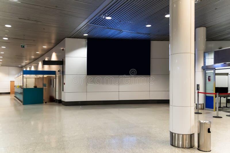 在机场的空白的广告盘区 免版税库存图片