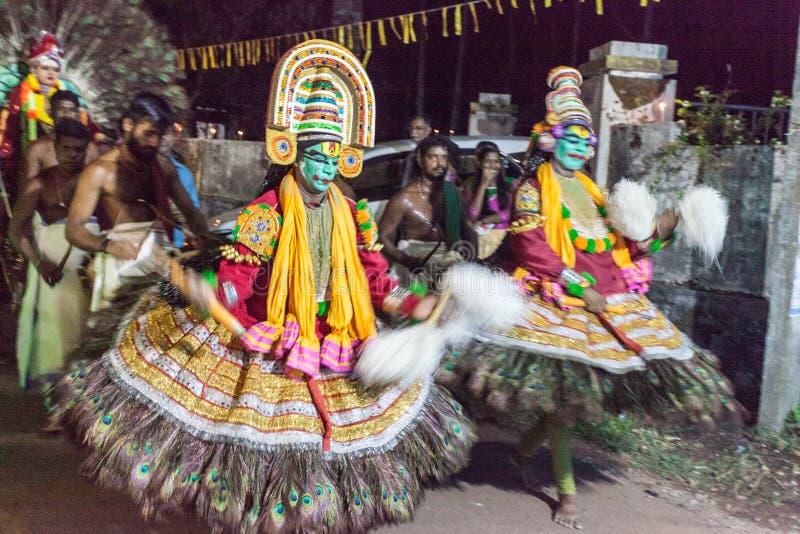 在村庄狂欢节的传统Kathakali舞蹈,喀拉拉,印度 免版税库存图片