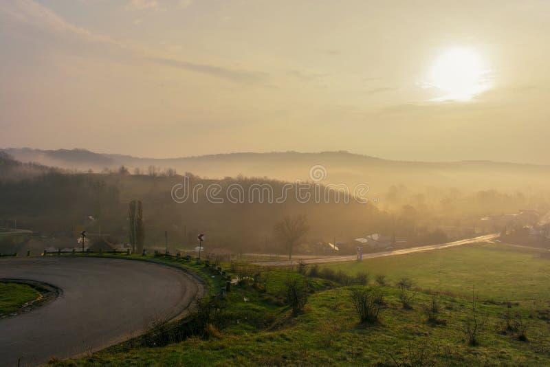 在村庄的春天日出 库存照片