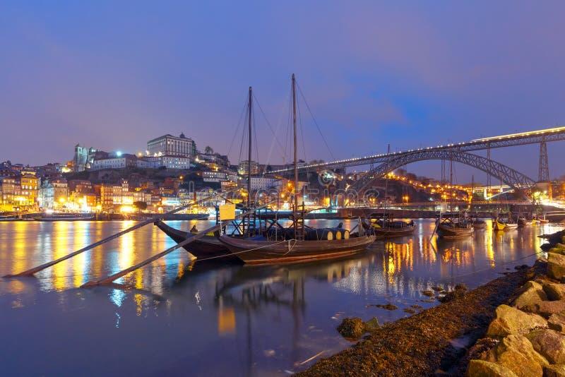 在杜罗河河,波尔图,葡萄牙的Rabelo小船 免版税库存照片