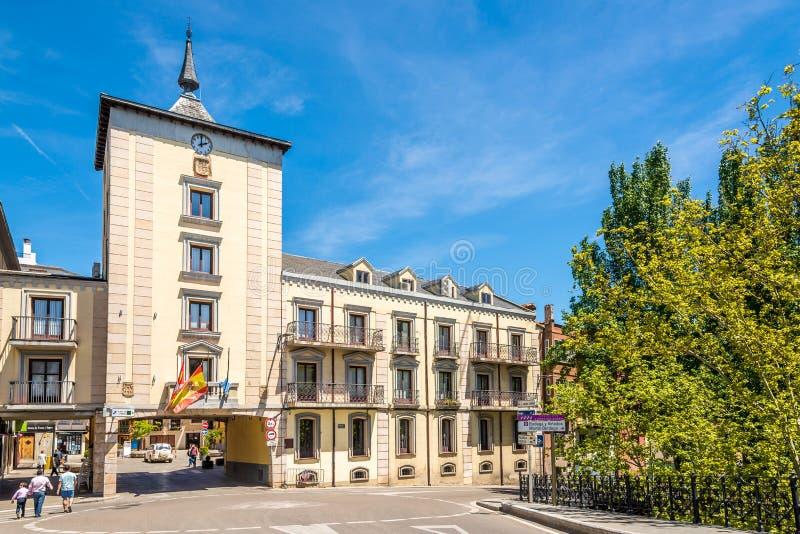 在杜罗河畔阿兰达城镇厅大厦的看法在西班牙 免版税库存图片