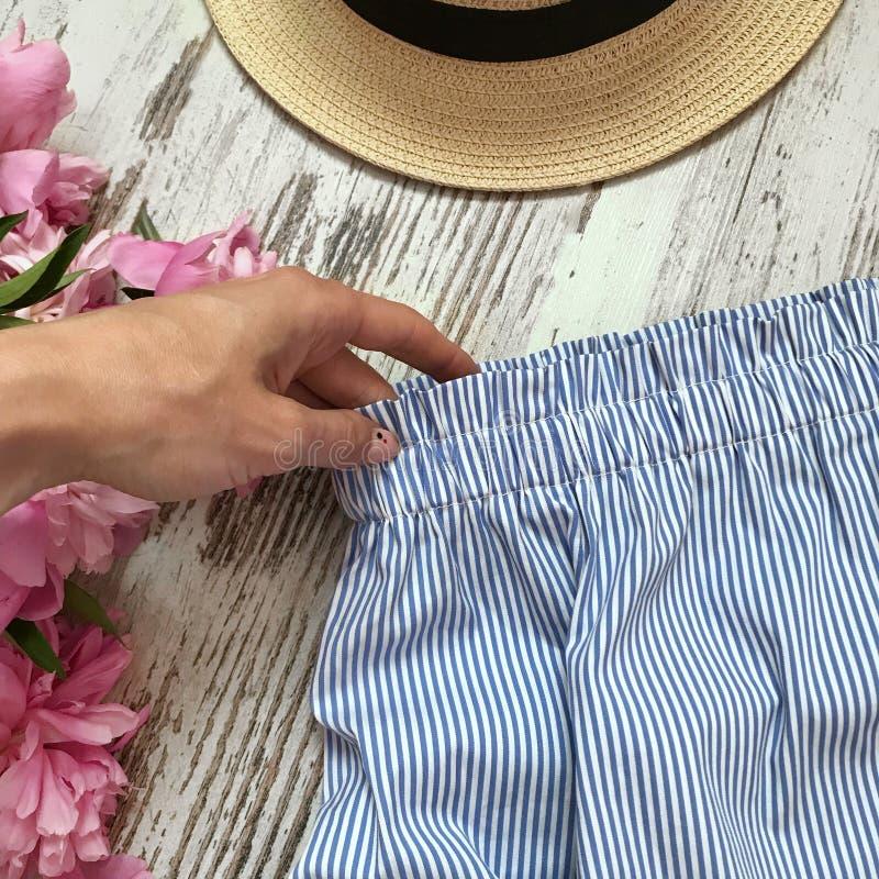 在条纹特写镜头的女衬衫 库存图片