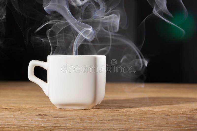 在杯子的蒸气 免版税库存图片