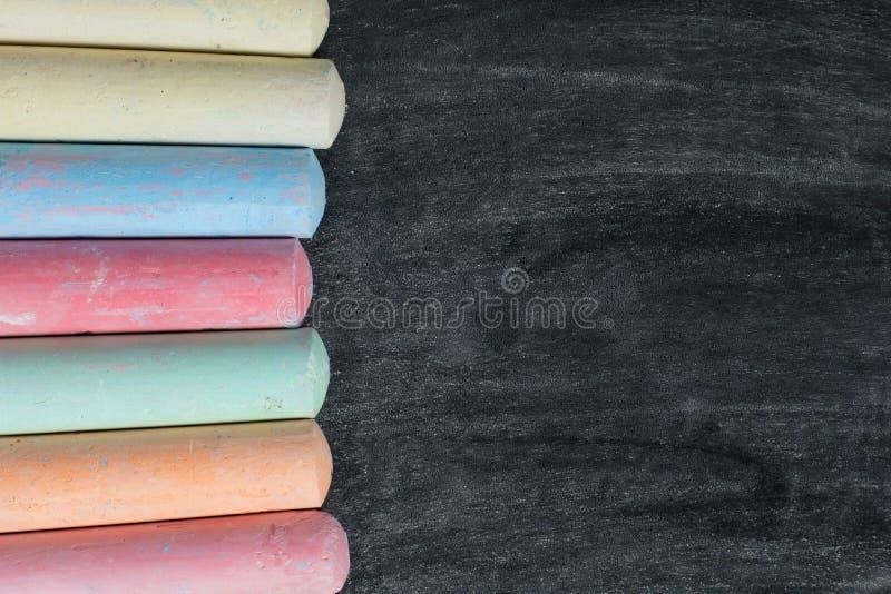 在板岩或黑板的白垩边界 免版税库存图片
