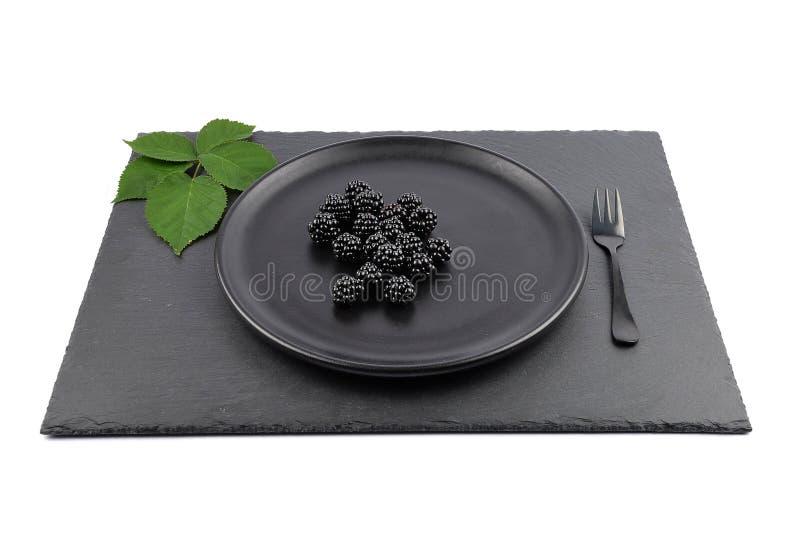 在板材和页岩的黑莓 免版税库存图片