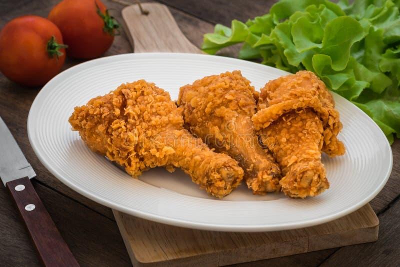 Download 在板材的酥脆炸鸡 库存照片. 图片 包括有 香料, 金子, 美食, 蕃茄, 嘎吱咬嚼, 刀子, 油煎, 食物 - 59108562