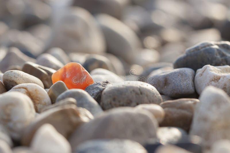 在极为相象的许多中不同的石头 免版税库存图片