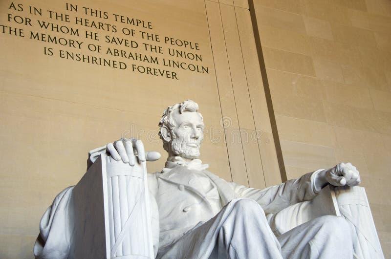 在林肯纪念堂的雕象 免版税库存图片