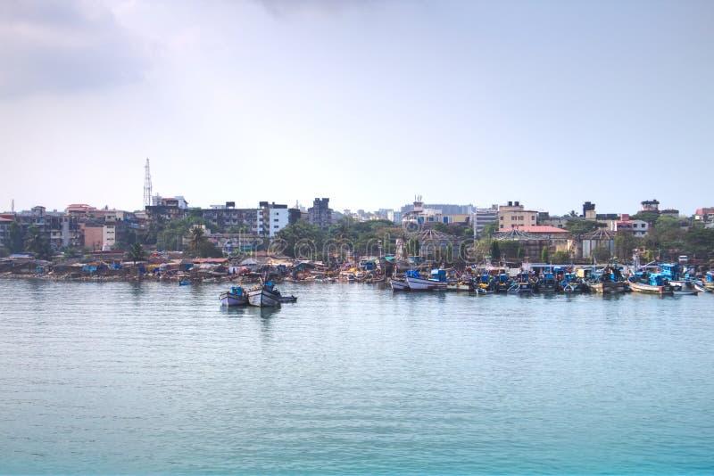 在果阿,印度的港的渔船 免版税库存图片