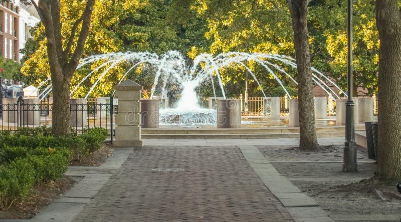 在查尔斯顿海滨公园的喷泉 免版税库存图片