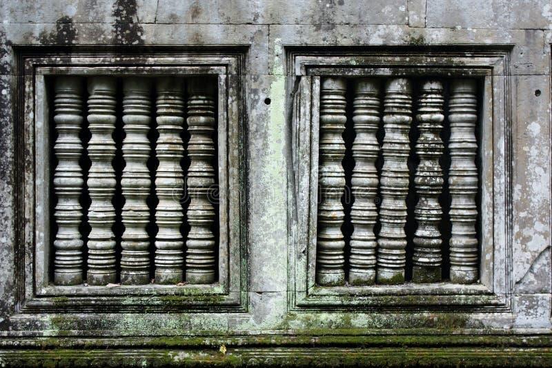 在柬埔寨纪念碑的近相称窗口 库存图片