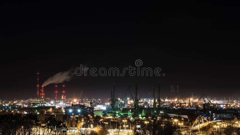 在格但斯克造船厂的夜视图 免版税库存图片