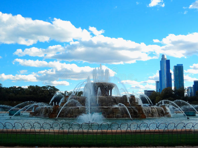在格兰特公园的白金汉喷泉在芝加哥,美国 库存图片