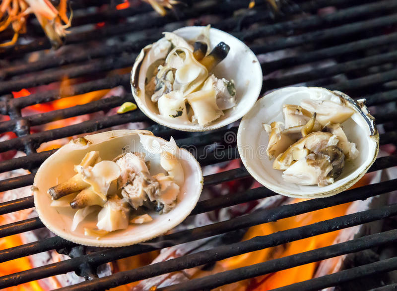 在格栅的烤海鲜 免版税图库摄影