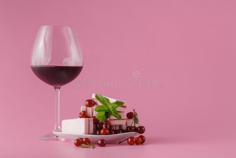 在桃红色的樱桃酒 图库摄影