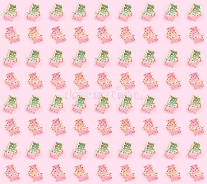 在桃红色背景的太阳床 暑假吃了海边概念 免版税库存图片