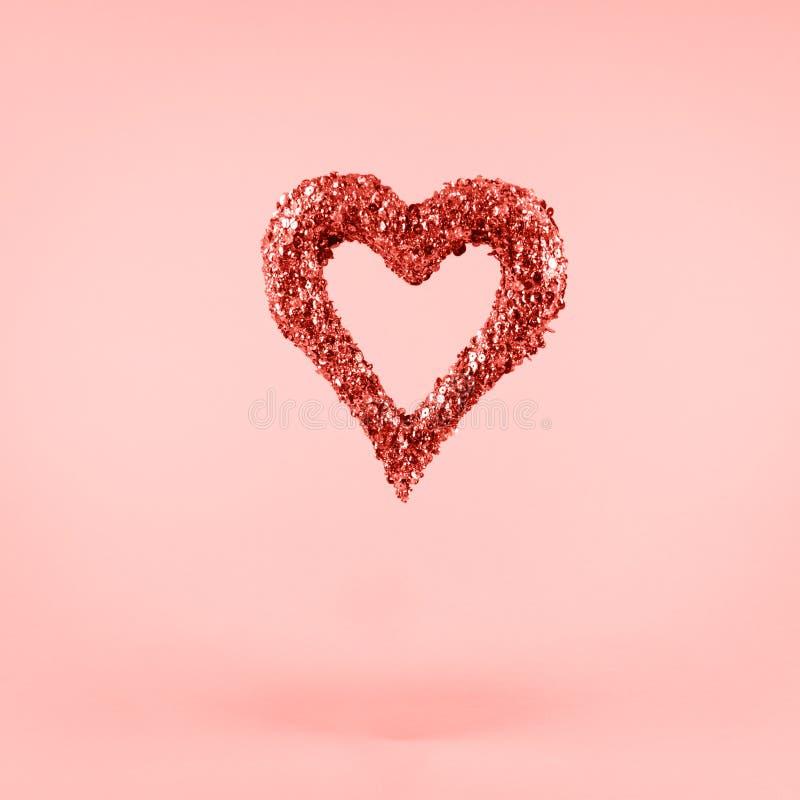 情人节和爱概念 正方形 居住的珊瑚题材-年的颜色2019年