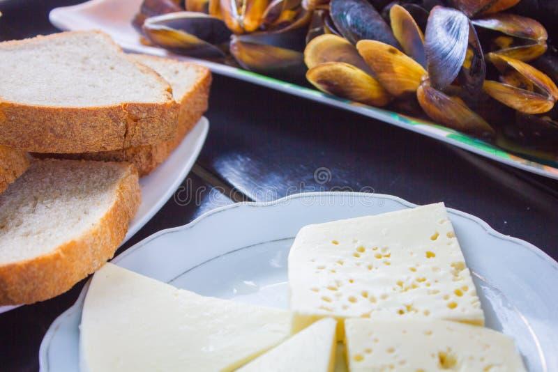在桌上的可口乳酪 库存图片