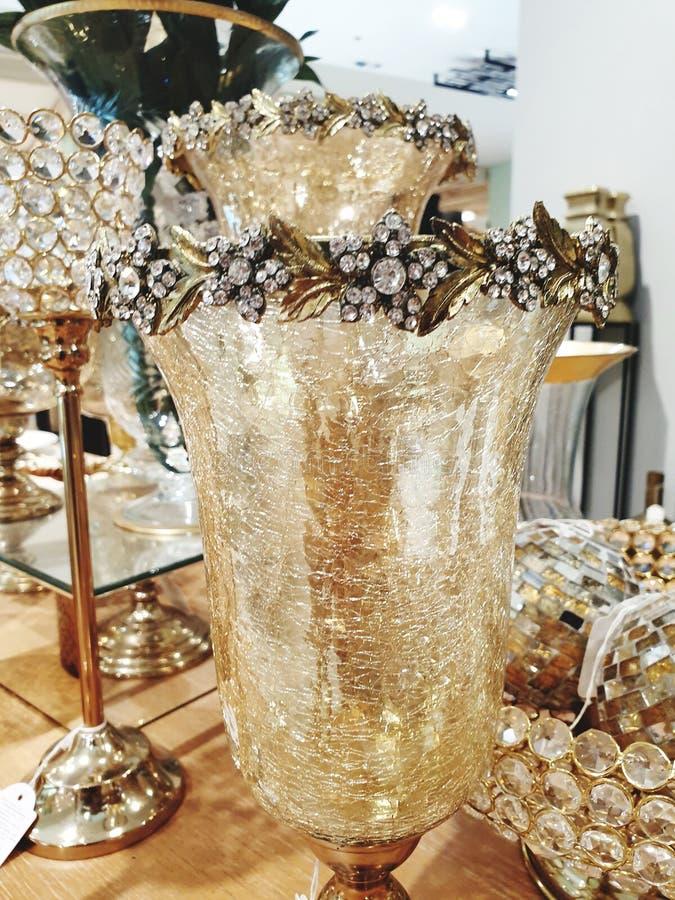 在桌上的玻璃装饰 免版税库存照片