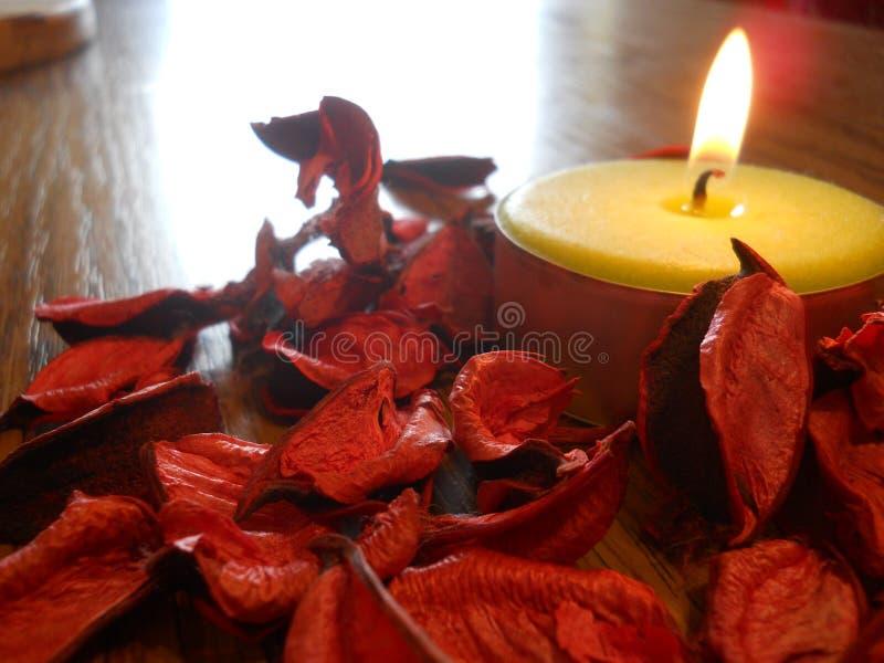 在桌上的蜡烛 库存图片
