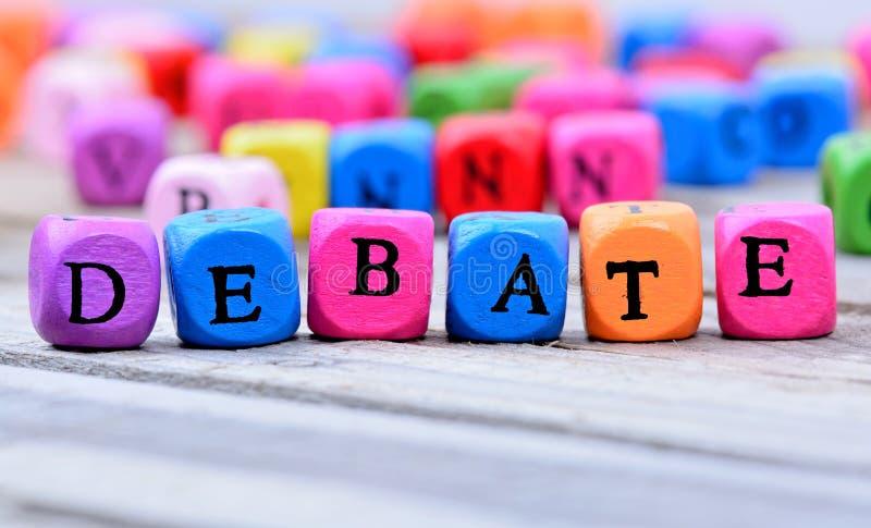 在桌上的辩论词 库存照片