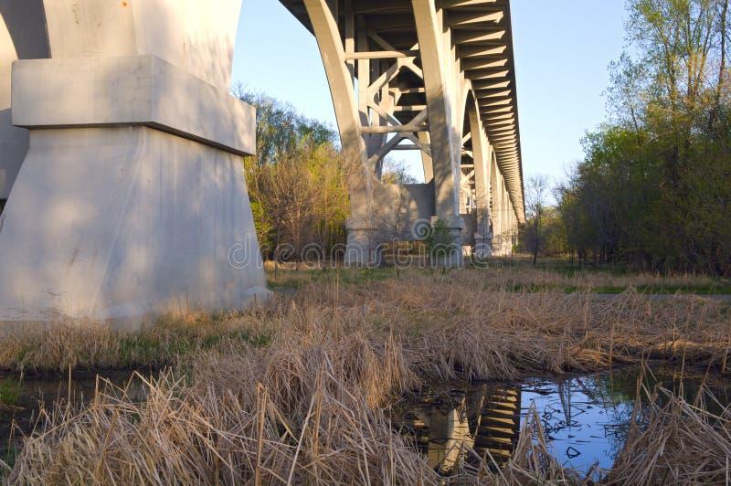 在桥梁堡垒mendota公园snelling的状态之下 库存图片