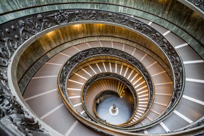 在梵蒂冈博物馆的Bramante台阶 免版税库存图片