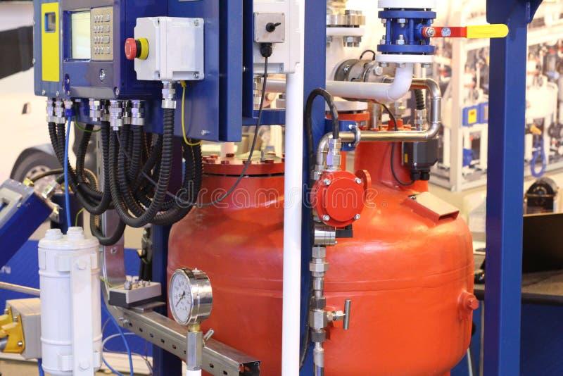 在植物的油和煤气设备 管子气体流程 库存照片