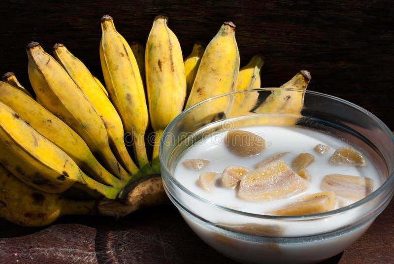 在椰奶,泰国沙漠的香蕉 图库摄影