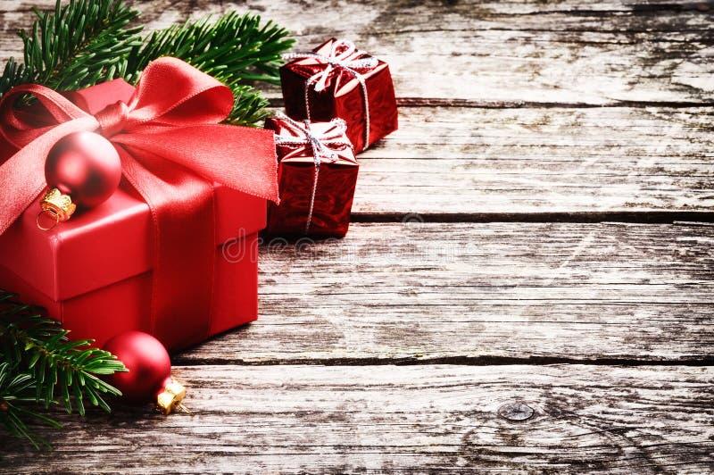在欢乐设置的圣诞节礼物 免版税库存图片