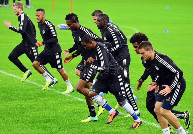 在欧洲联赛冠军杯正式训练期间的切尔西球员 库存照片