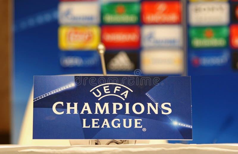 在欧洲联赛冠军杯比赛发电机Kyiv v前的新闻会议 库存照片