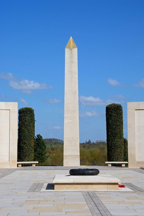 在武力的纪念碑纪念在全国纪念树木园, Alrewas 图库摄影