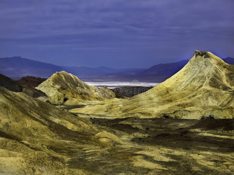 在死亡谷国家公园的香草冒险在夏天 免版税库存照片