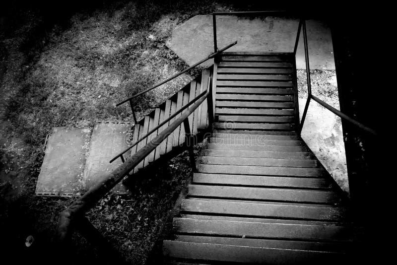 在死亡铁路桥的生锈的台阶 库存图片