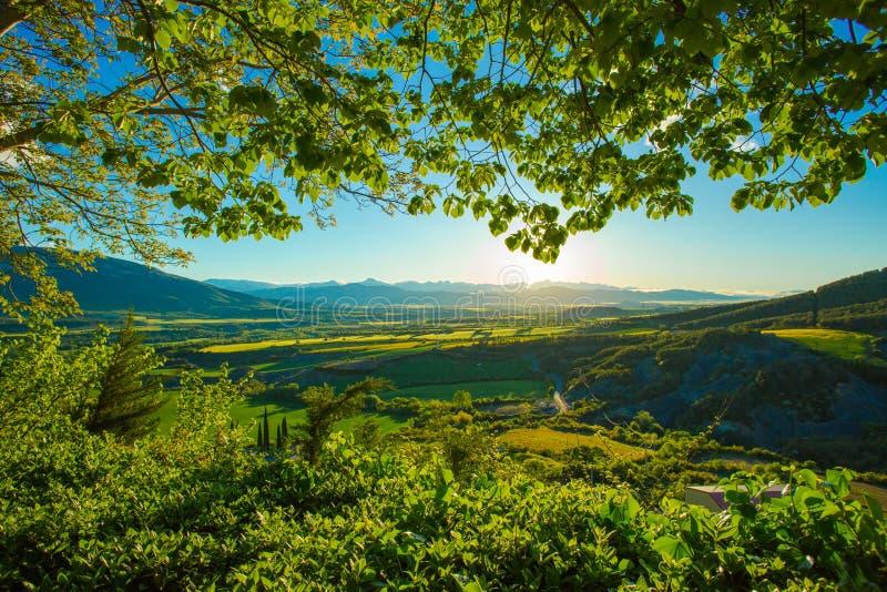 在比利牛斯,西班牙的山的日出 免版税库存照片