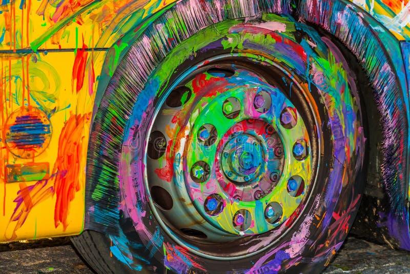 在比赛被绘的轮子 图库摄影