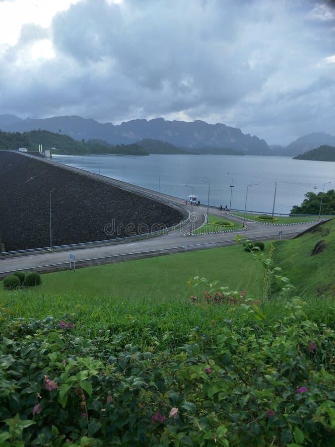 在水坝的观点 图库摄影