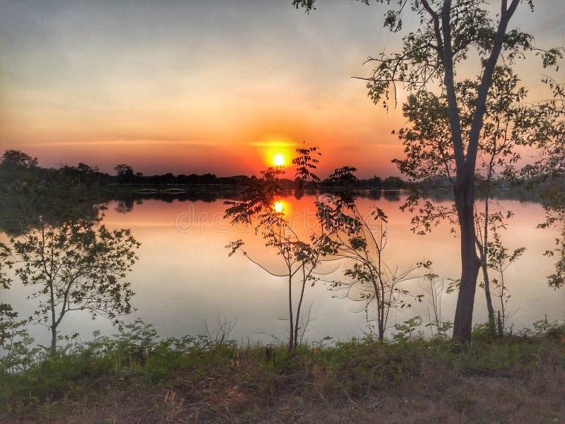 在水库的日落在健康公园 免版税库存图片